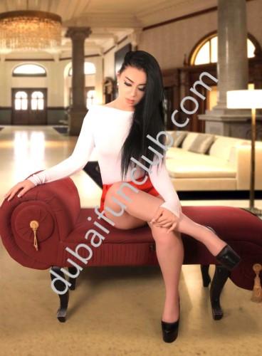 Dubai escort Emma