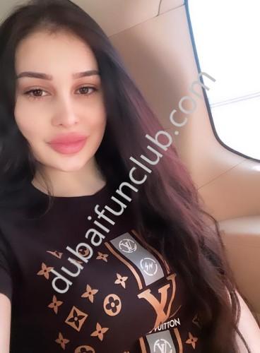 Dubai escort Zoe